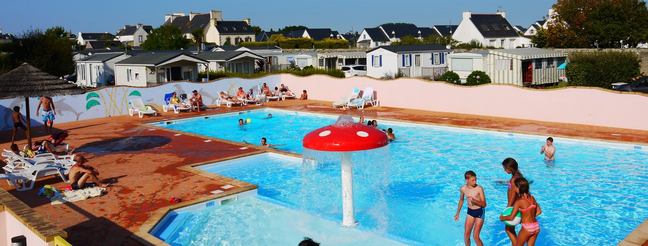 Camping_pres_audierne_piscine